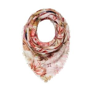 ISO IN SERACH OF INDIA HICKS SCARF, CAFTAN & MORE